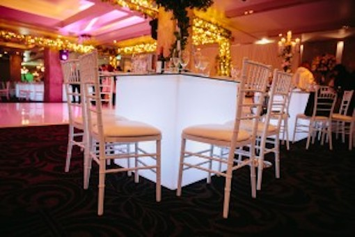 Square Glow Banquet Table