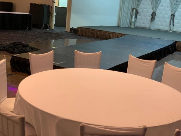 Tablecloth for Round Banquet Table (white)